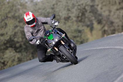 Kawasaki Z1000 in action