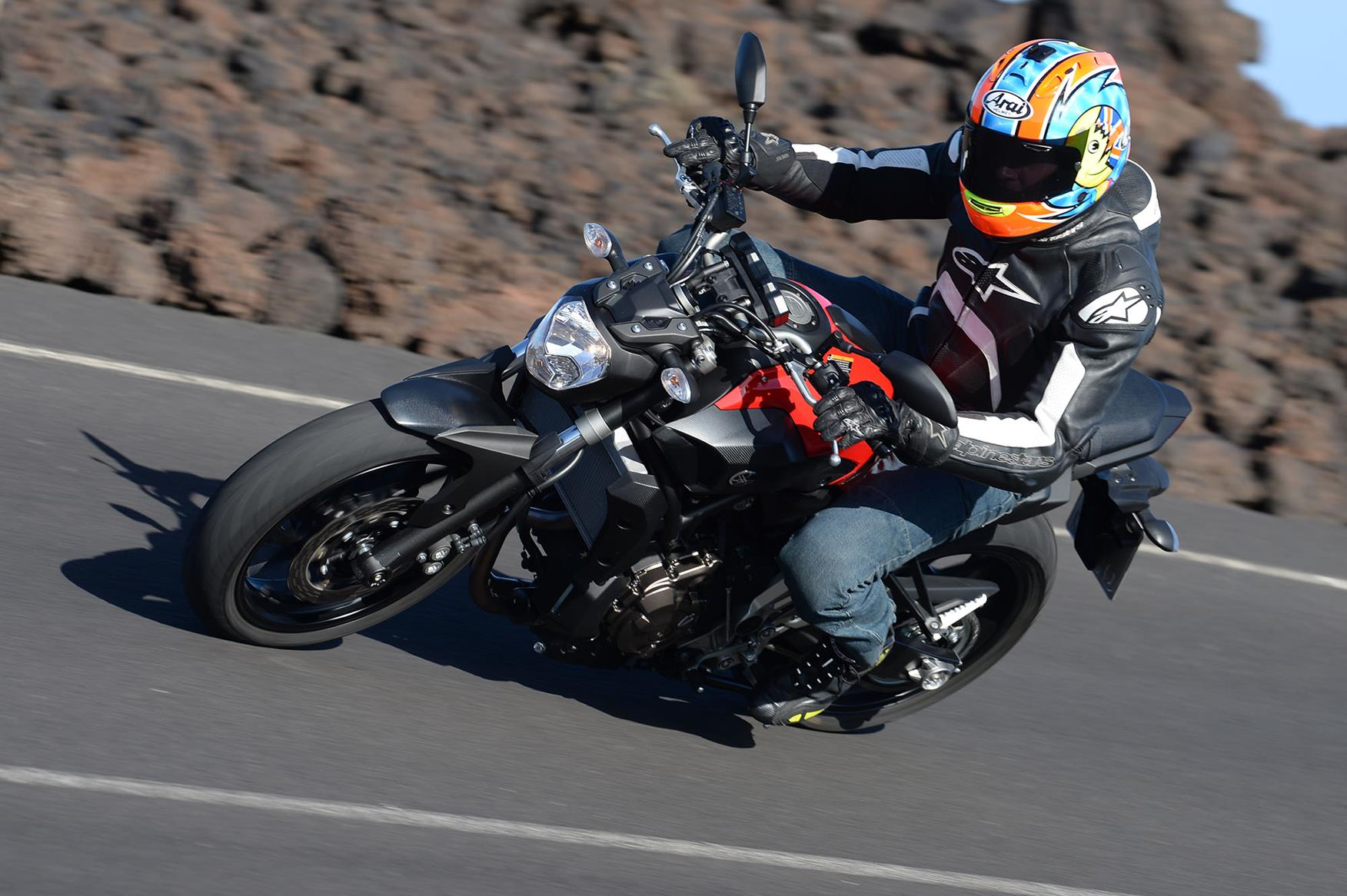 YAMAHA MT-07 (2014-on) Review | Speed, Specs & Prices | MCN