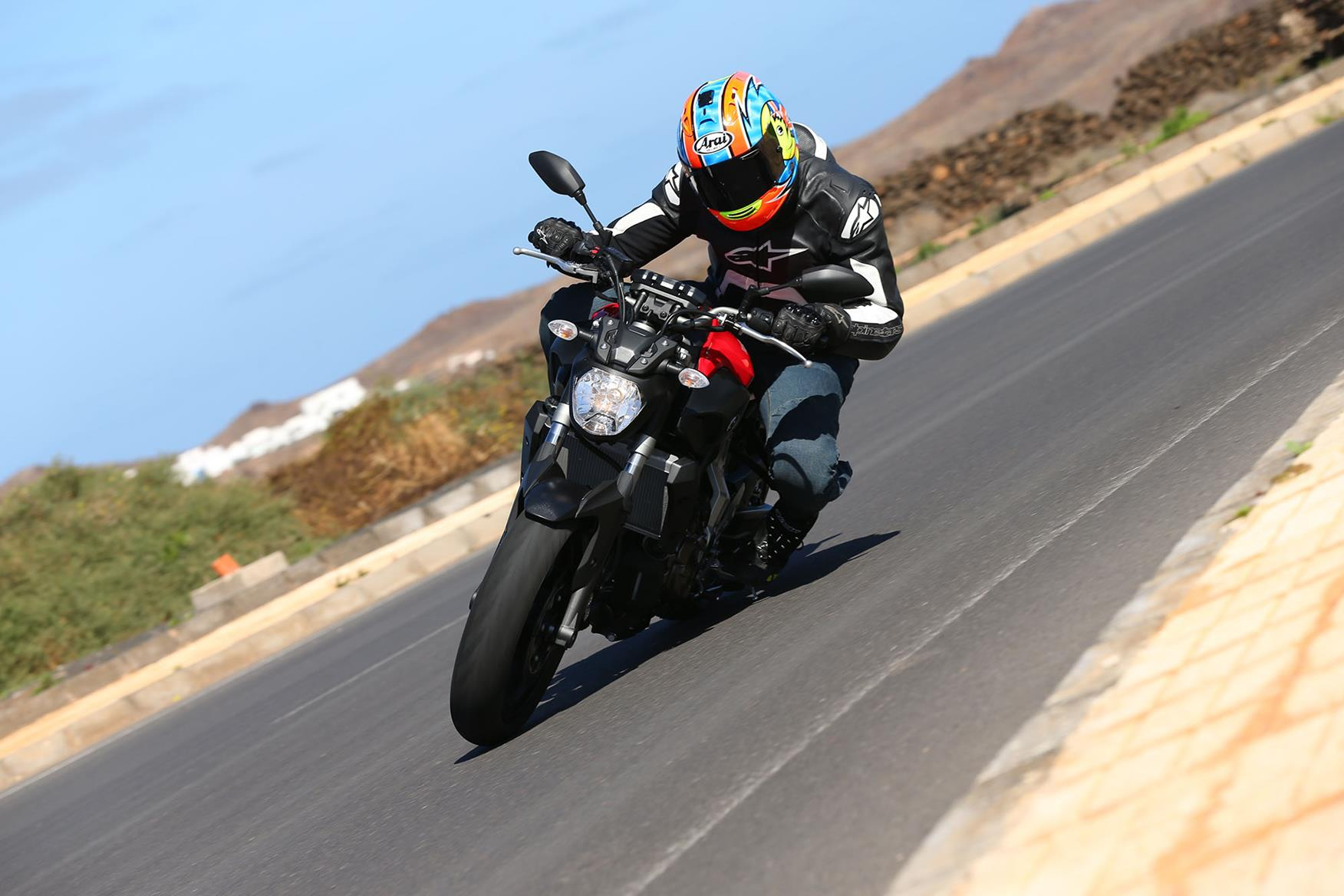 YAMAHA MT-07 (2014-on) Review   Speed, Specs & Prices   MCN