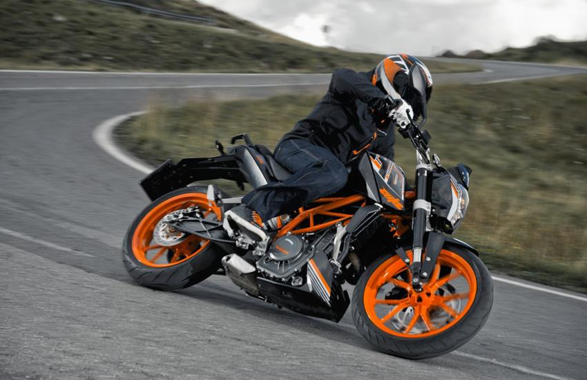 A2 Licence Bikes >> KTM 390 DUKE (2013-on) Review | MCN
