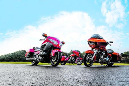 Brash but Brilliant: Honda F6B vs Harley Road Glide Special