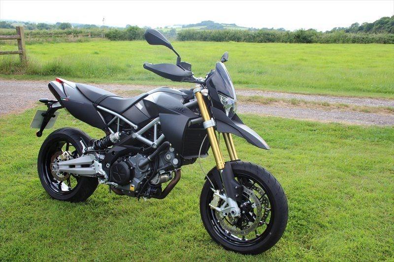 bike of the day aprilia dorsoduro 750. Black Bedroom Furniture Sets. Home Design Ideas
