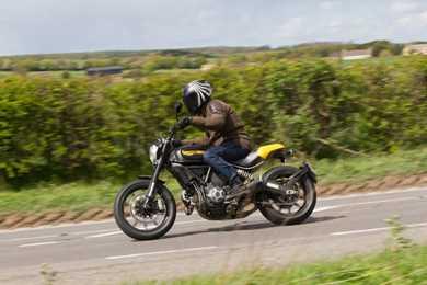 Ducati Scrambler Cafe Racer Sound
