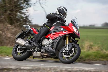 Riding the 2016 BMW S1000XR