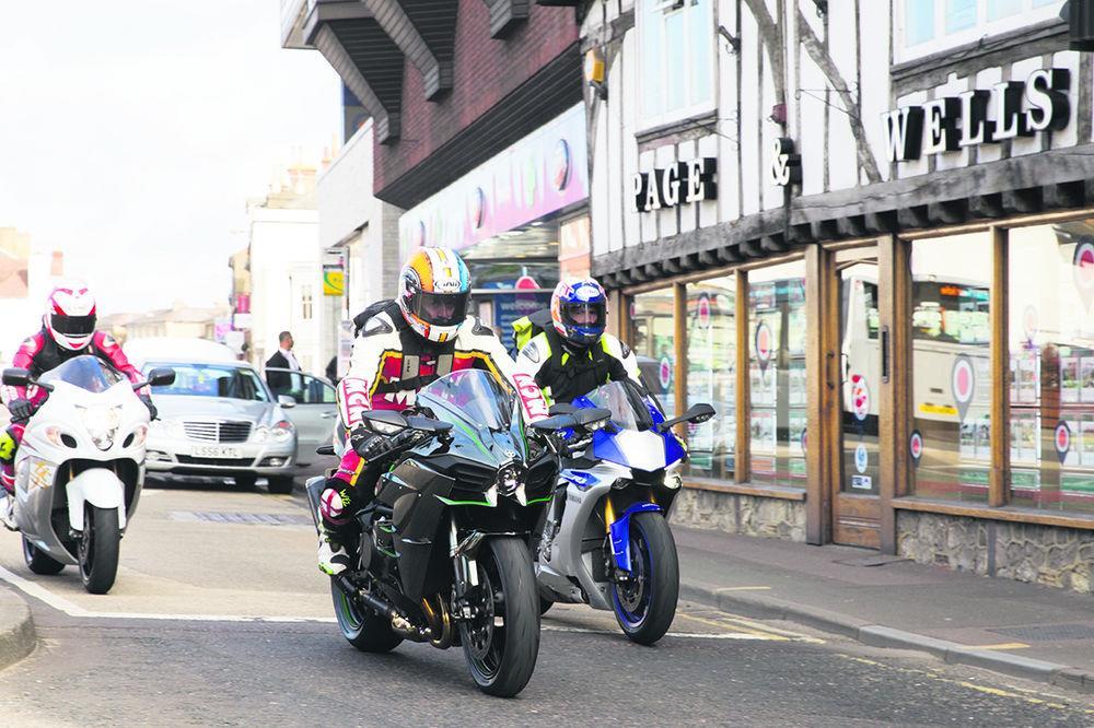 FASTEST TEST EVER: Kawasaki H2 v Suzuki Hayabusa v Yamaha YZF-R1