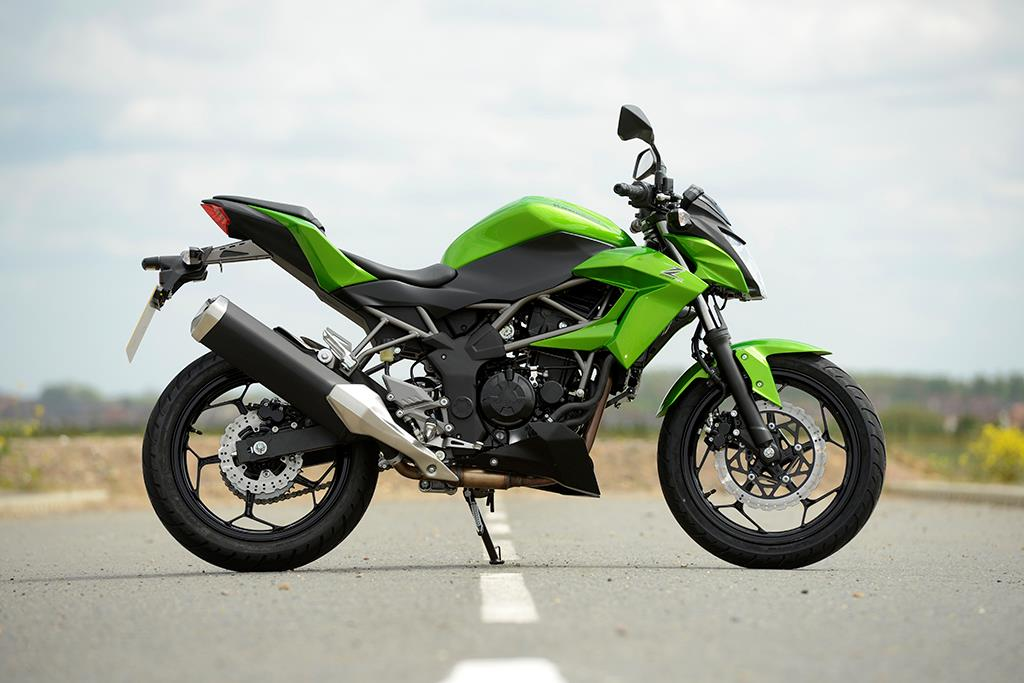 Kawasaki Z250sl 2015 On Review Speed Specs Prices Mcn