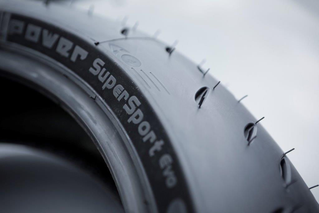 tyre review michelin power supersport evo. Black Bedroom Furniture Sets. Home Design Ideas