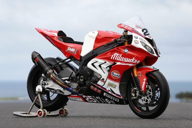 milwaukee bmw pulls covers off new s1000rr. Black Bedroom Furniture Sets. Home Design Ideas