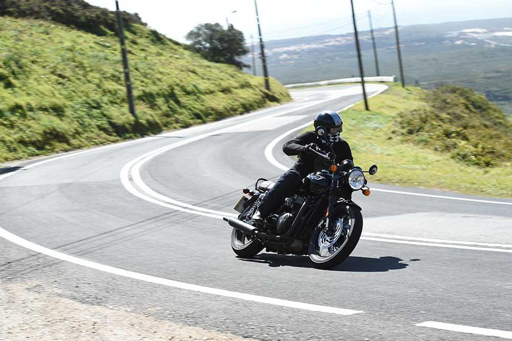 Triumph T120 Bonneville first ride