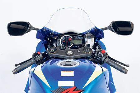 Suzuki GSX-R750 special - Old v New tech analysis (Part 2/3)