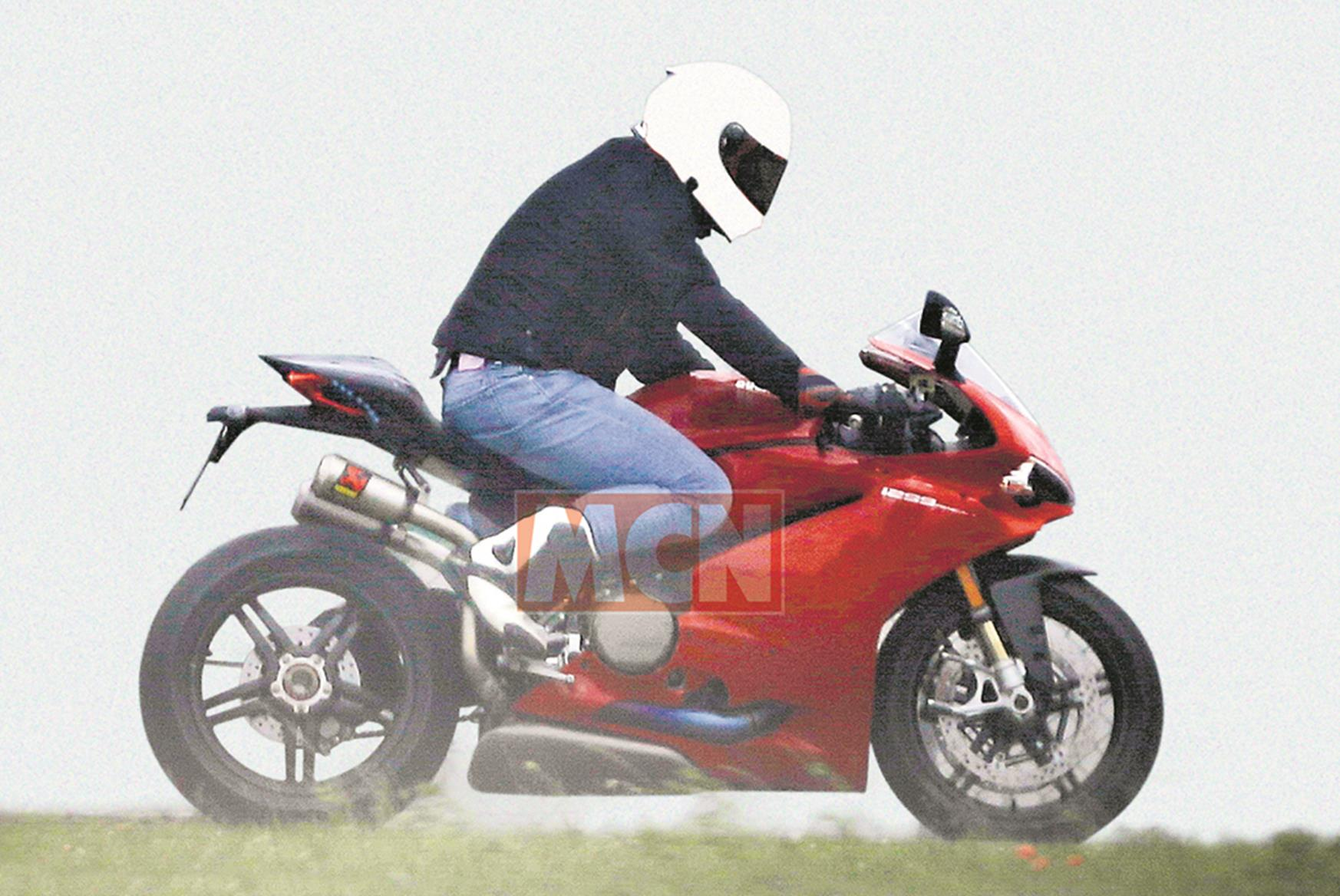 Updated Ducati 1299 Panigale Spied Testing Mcn
