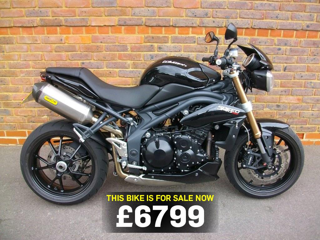bike of the day triumph speed triple 1050 mcn. Black Bedroom Furniture Sets. Home Design Ideas