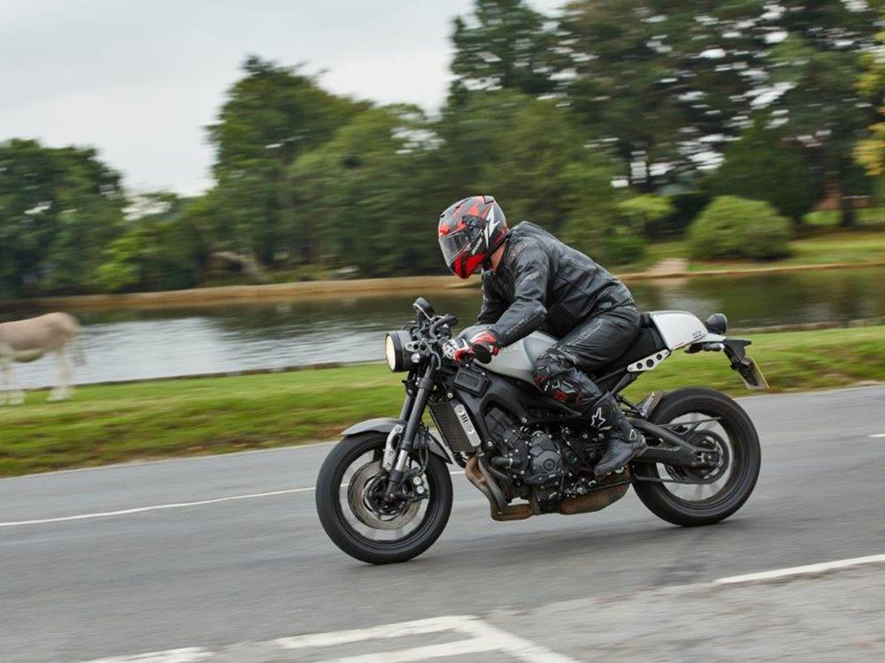 MCN Fleet No Pain Plenty Of Gain On Yamaha XSR900