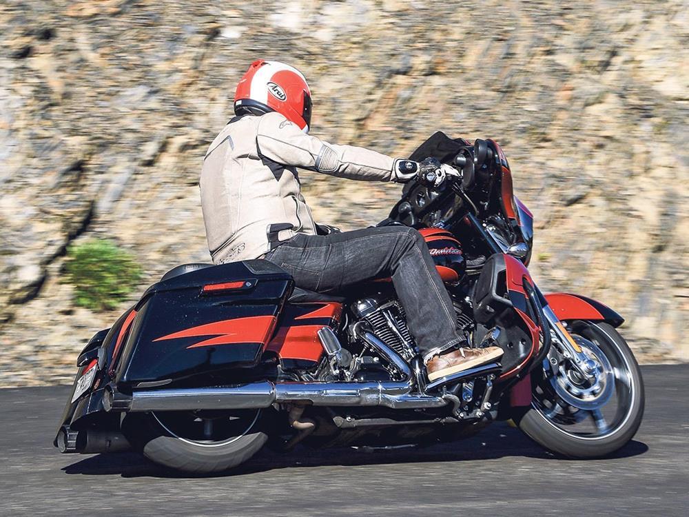 Harley Davidson CVO Street Glide First Ride