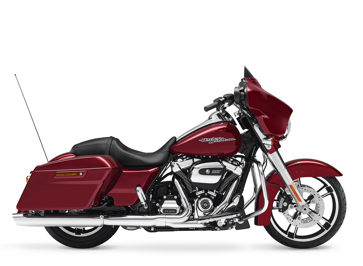 harley davidson street glide 2017 on review mcn. Black Bedroom Furniture Sets. Home Design Ideas