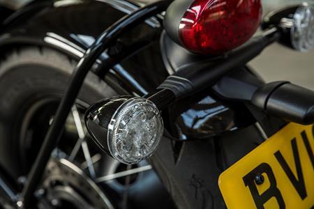 Triumph reveal stunning Bonneville Bobber for 2017