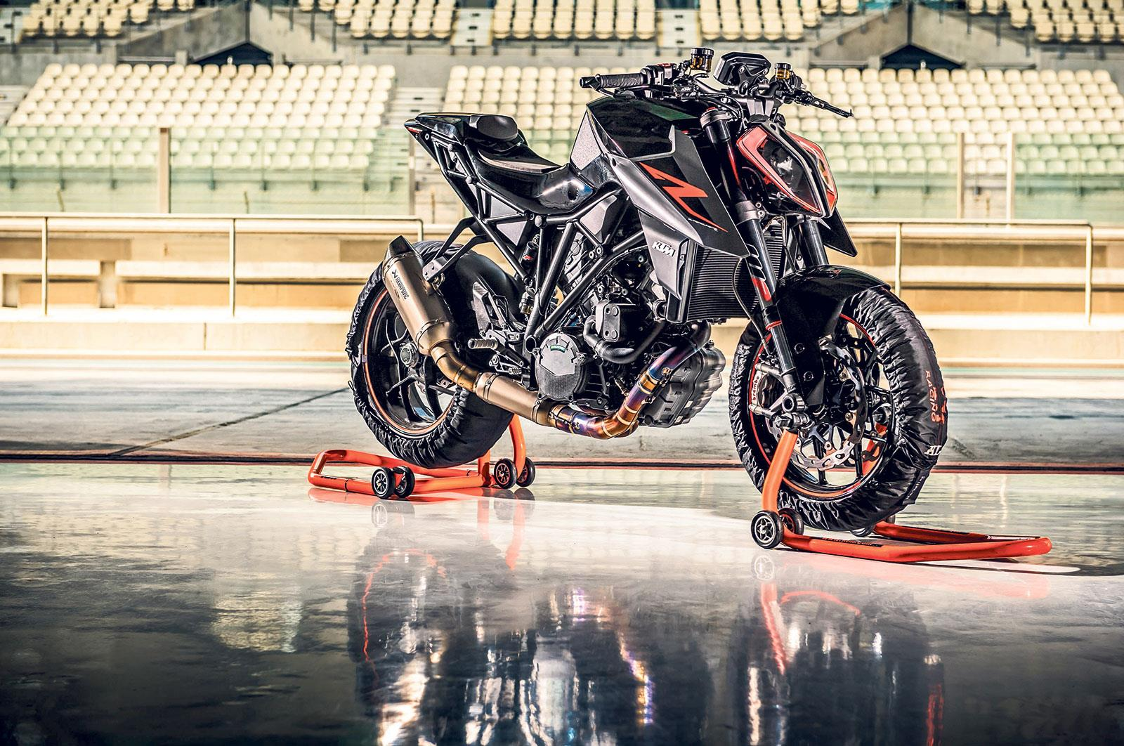 MILAN SHOW: 2017 KTM Super Duke R gets more extreme | MCN