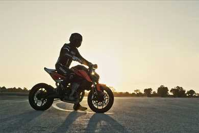 2018 ktm 790 duke specs. modren 2018 video razorsharp riding on new ktm 790 duke prototype inside 2018 ktm duke specs