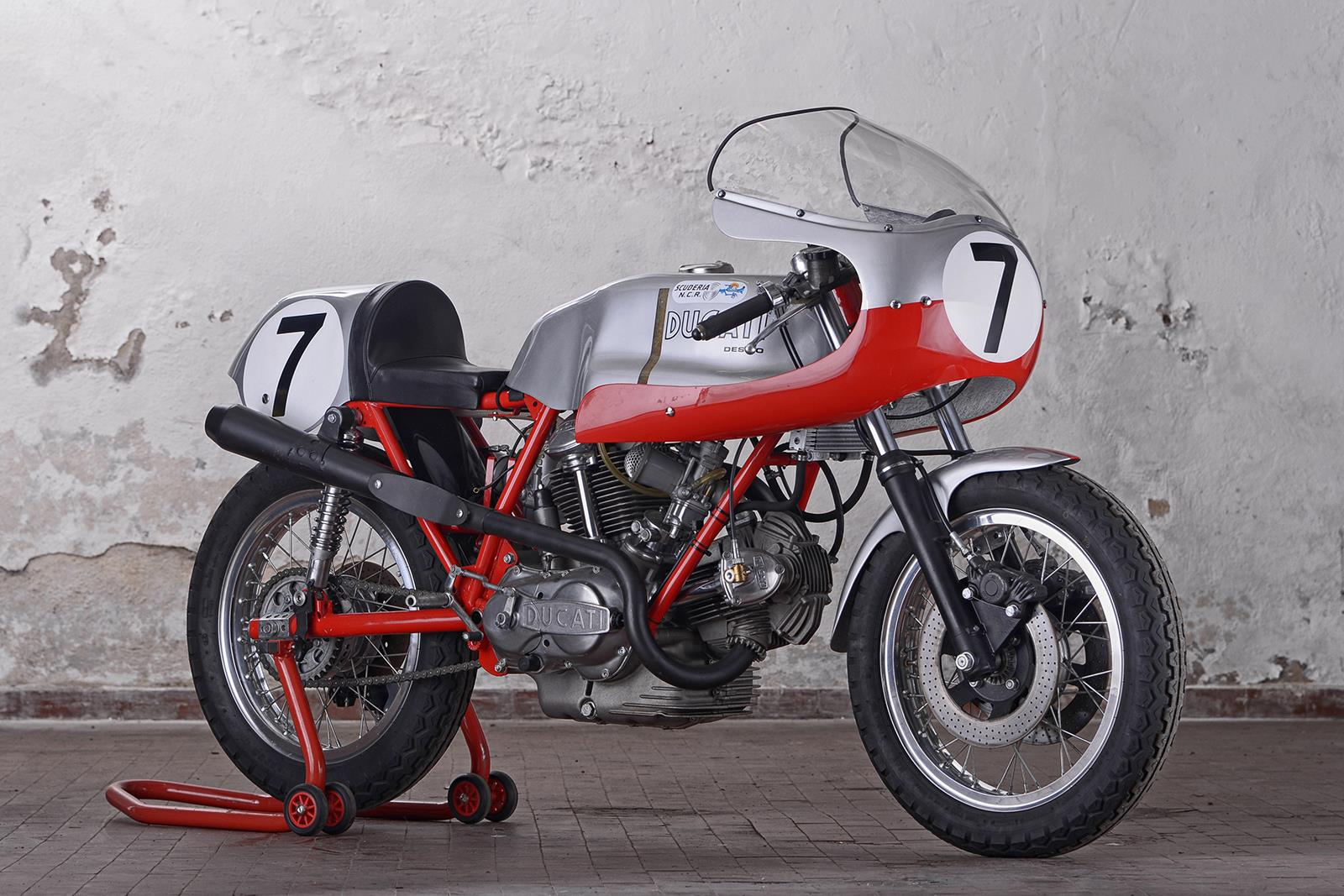 Three beautiful Ducati 750s up for auction