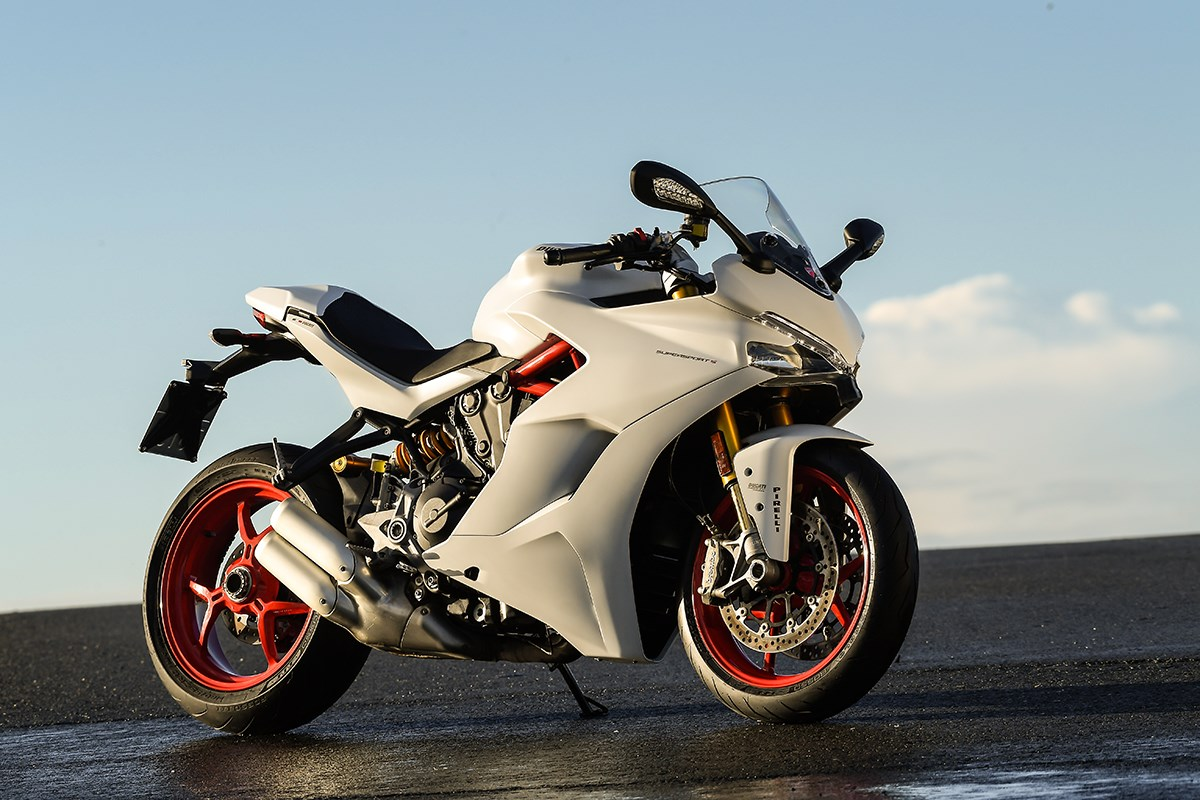 Gallery 2017 ducati supersport first ride mcn - Image moto sportive ...