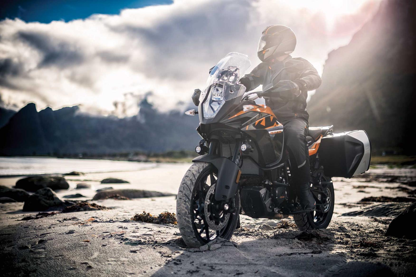 2018 Ktm Super Adventure R >> First ride: KTM 1090 Adventure | MCN