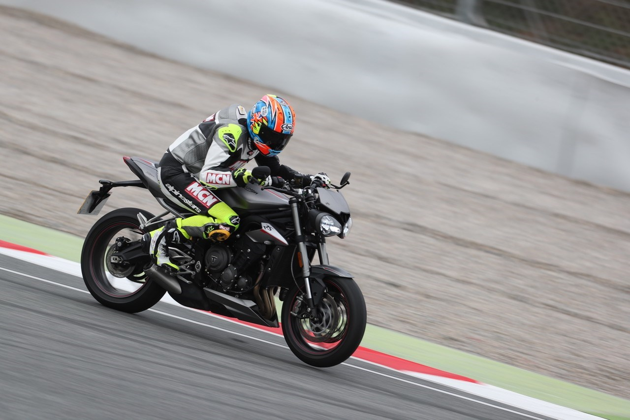 Triumph Street Triple 765 Rs 2017 On Review Mcn