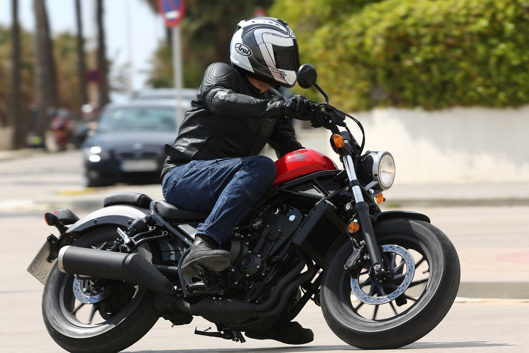 Hondas Cmx500 Rebel Is An Absolute Scream To Ride Mcn White Honda Bobber Advertisement