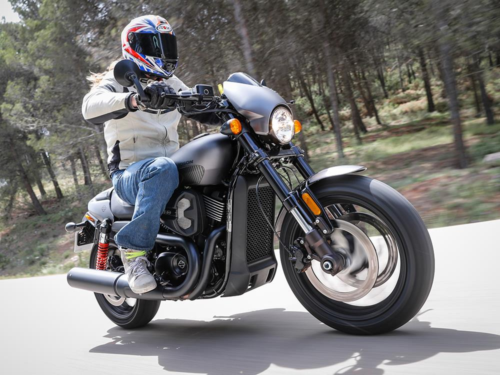 Harley-Davidson Street Rod: To V-twin or not to V-twin?