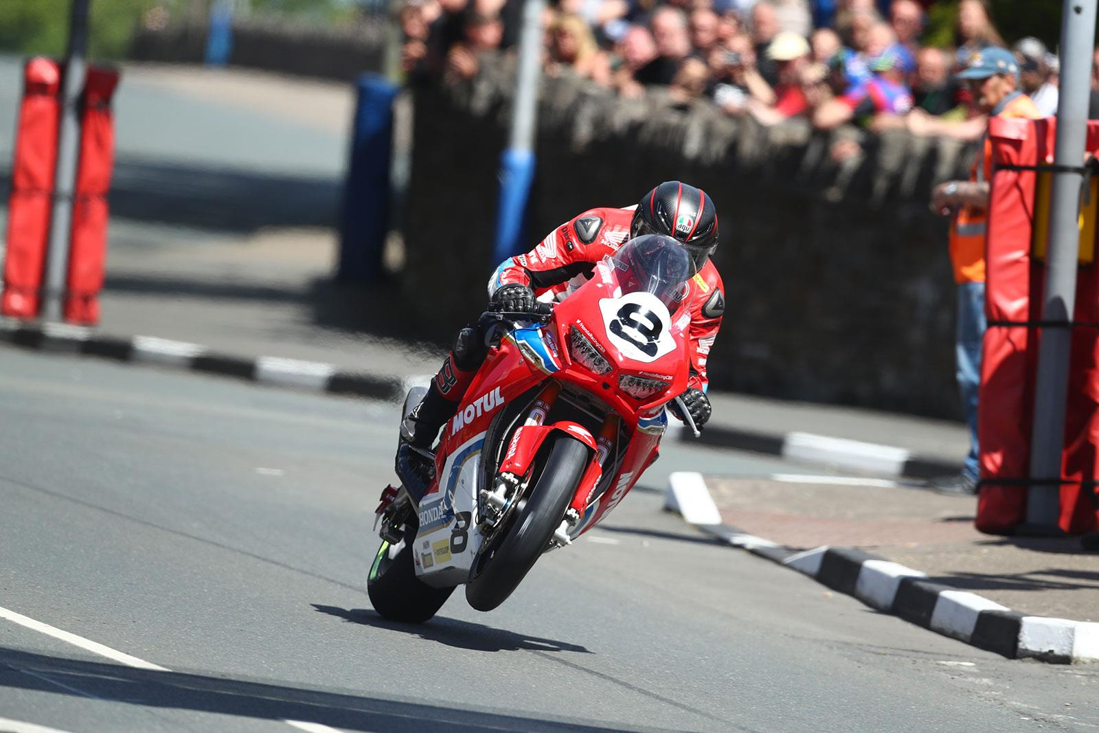 poll will guy martin return to the tt next year mcn. Black Bedroom Furniture Sets. Home Design Ideas