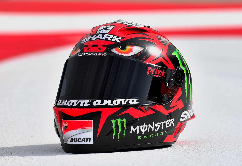 MotoGP: Lorenzo unveils 'Diablo' helmet