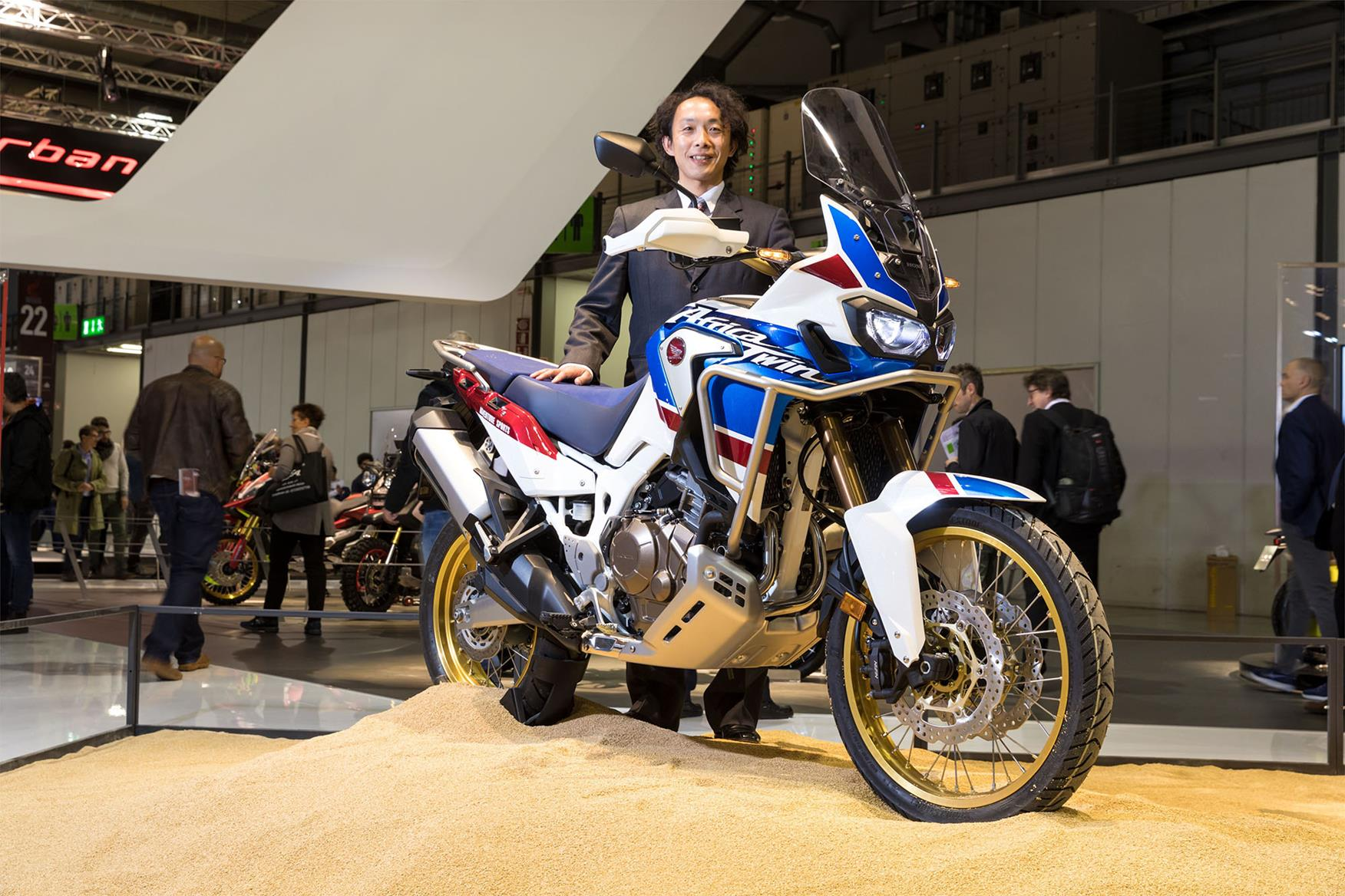 honda africa twin 39 little brother 39 on the way. Black Bedroom Furniture Sets. Home Design Ideas