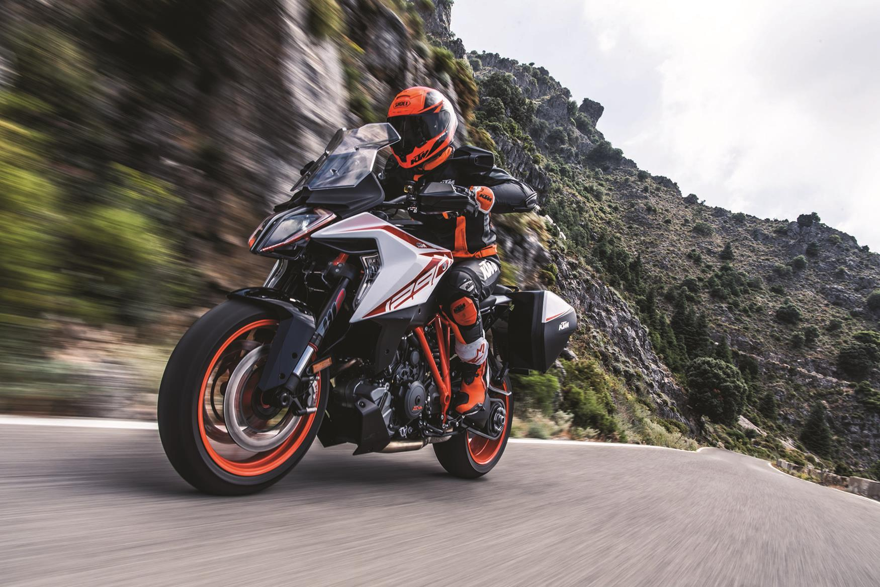 intermot 2019 ktm 1290 super duke gt unveiled. Black Bedroom Furniture Sets. Home Design Ideas