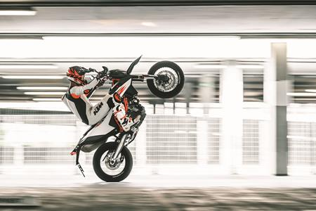 Pricing released for 2019 KTM 690 SMC R and Enduro models
