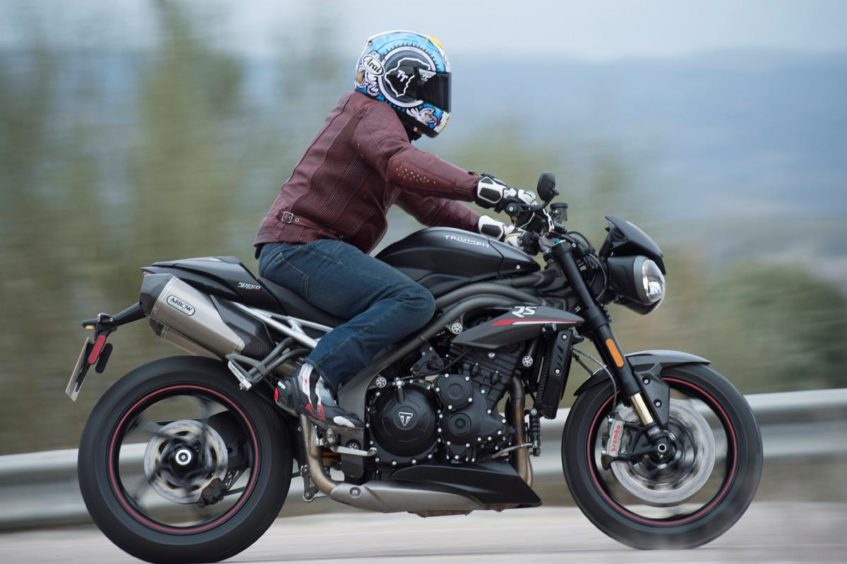 Awe Inspiring Triumph Speed Triple 1050 Rs 2018 On Review Ibusinesslaw Wood Chair Design Ideas Ibusinesslaworg
