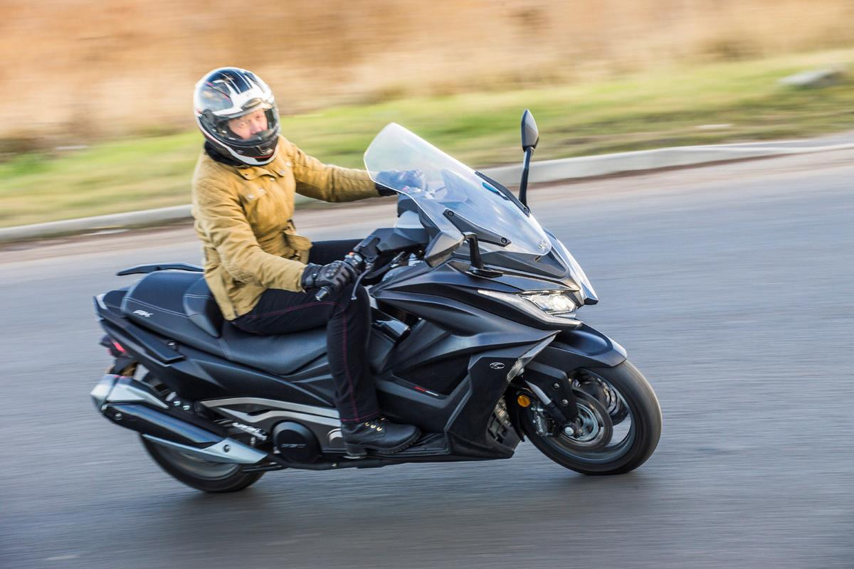 Schema Elettrico Kymco Downtown : Kymco ak on review speed specs prices mcn