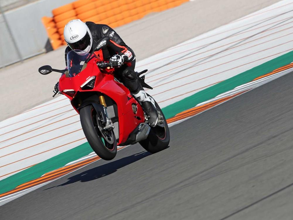 bc59d7e92ac DUCATI PANIGALE V4S (2018-on) Review | Specs & Prices | MCN