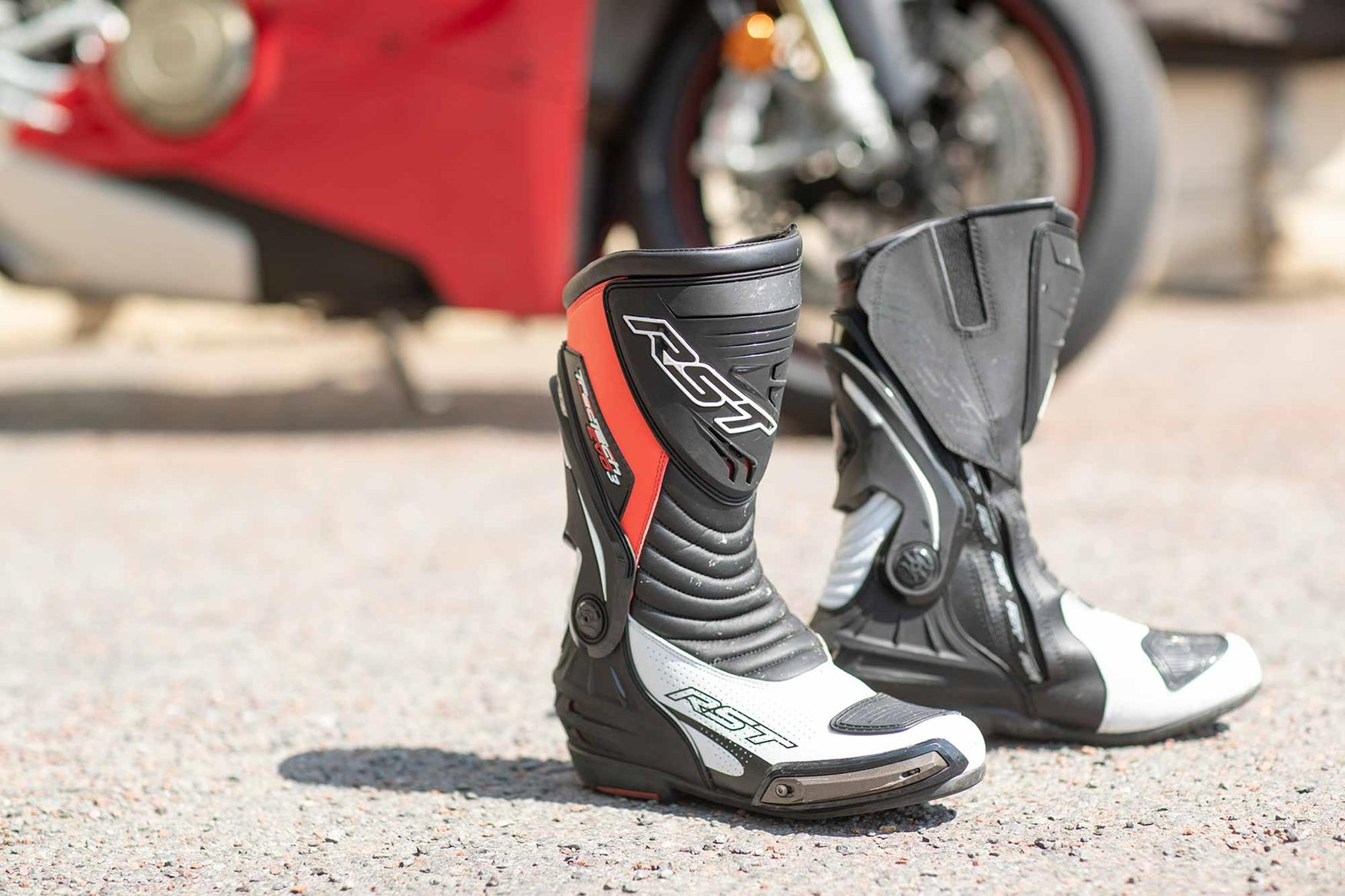 Product review: RST Tractech Evo 3 Sport CE boots | MCN