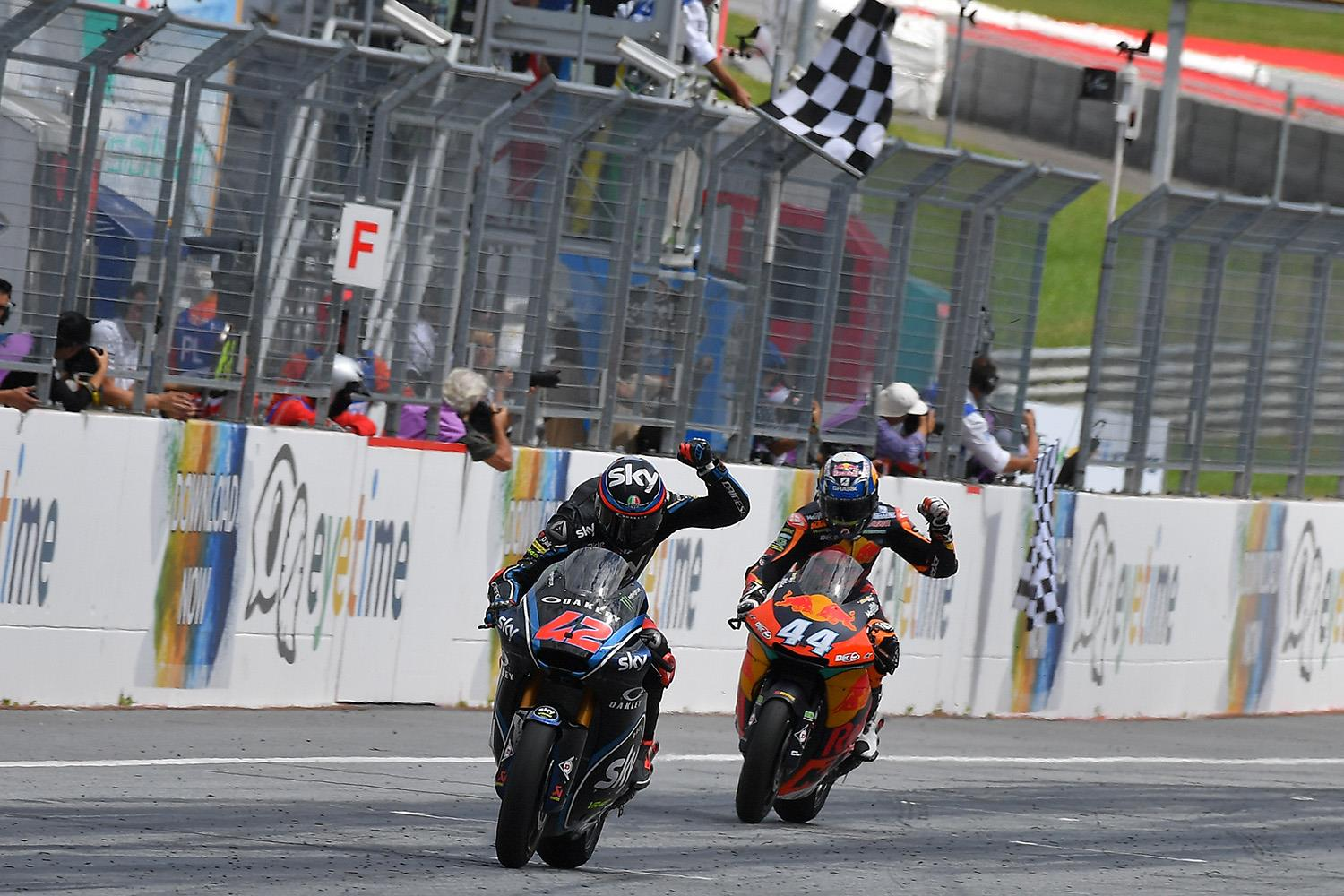 Moto2: Bagnaia and Oliveira go down to the wire | MCN