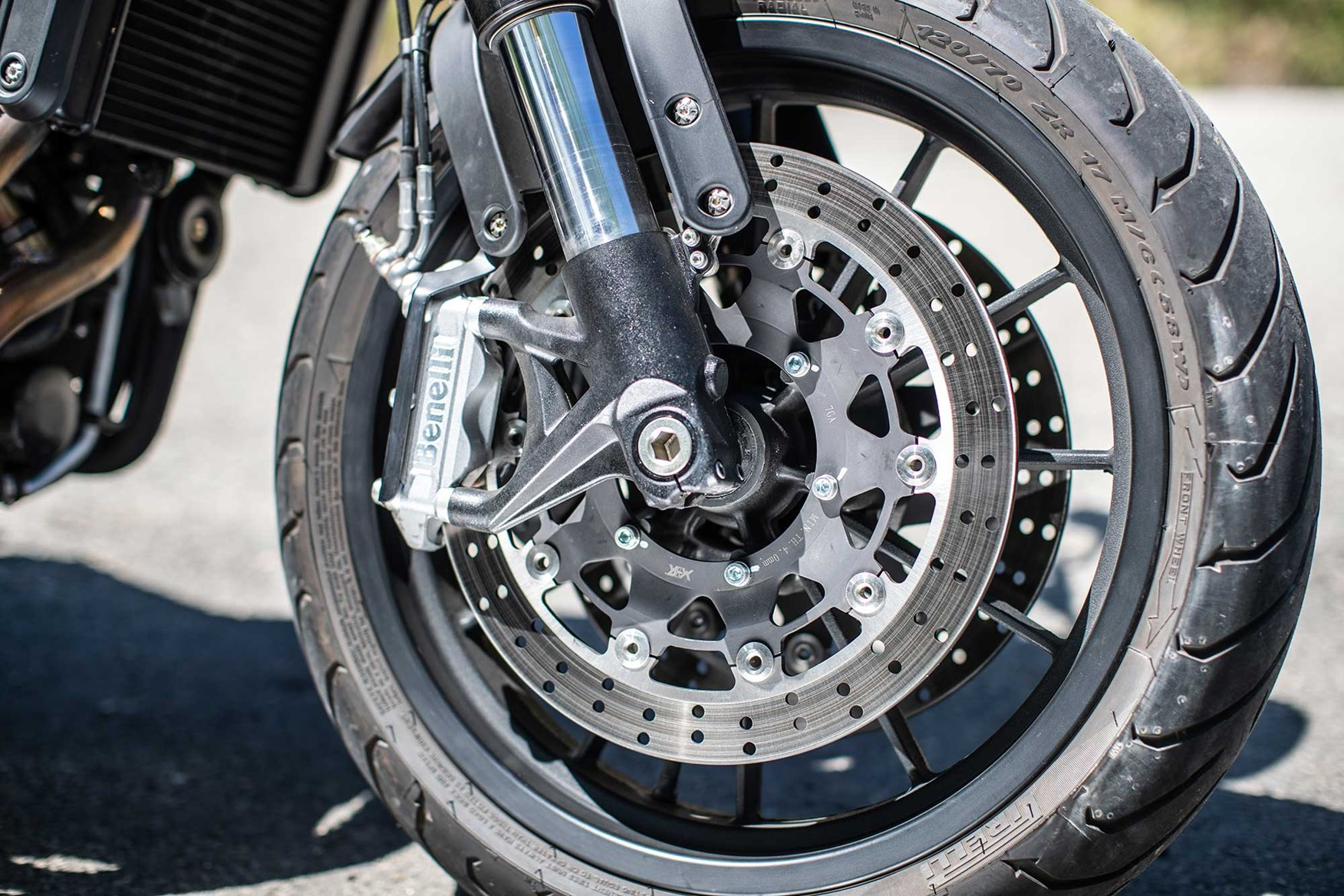 Fantastic Benelli Leoncino 2018 On Review Speed Specs Prices Mcn Ibusinesslaw Wood Chair Design Ideas Ibusinesslaworg