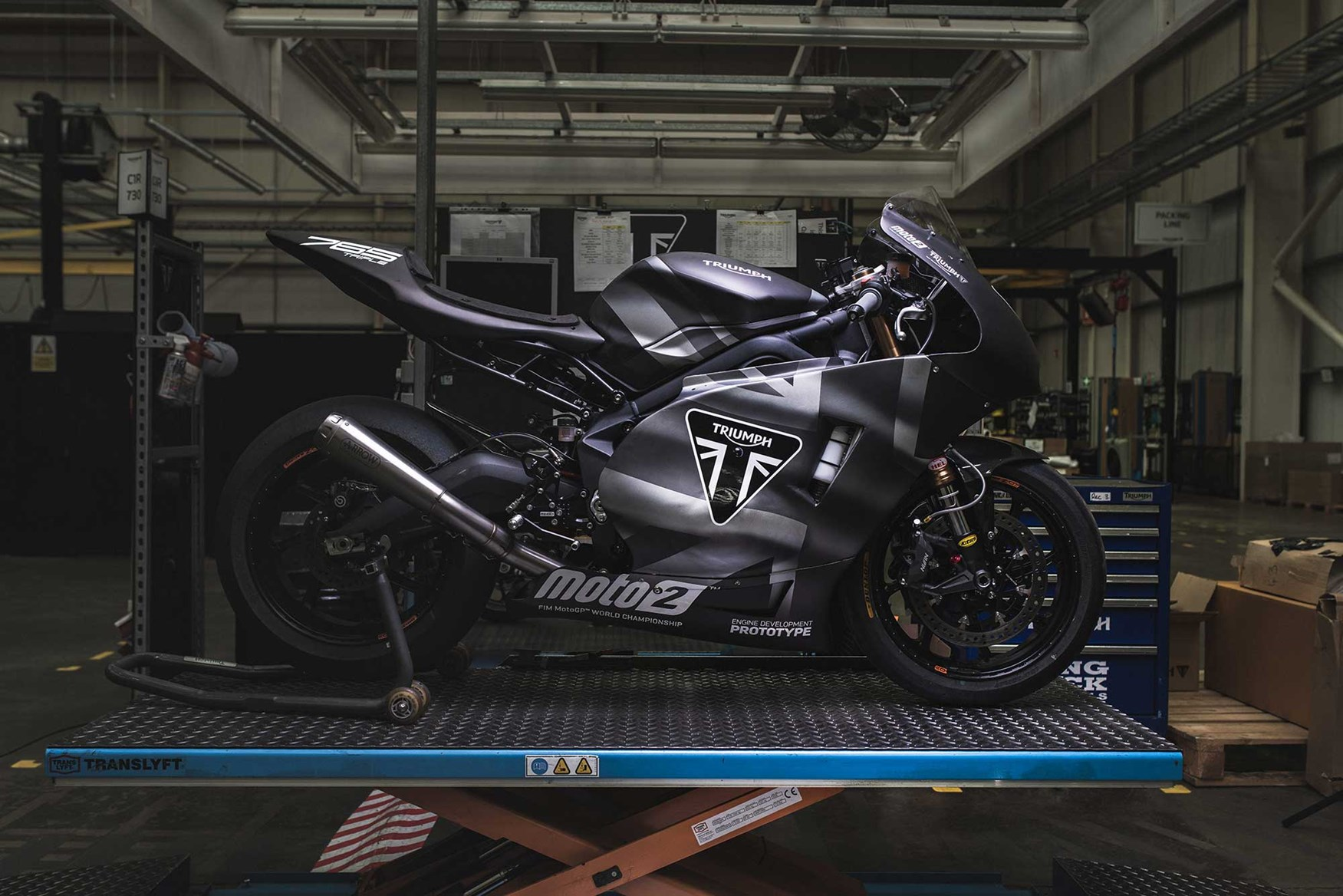 271b7519b8b ... The new Moto2 engine marks the return of Triumph to top-level racing ...
