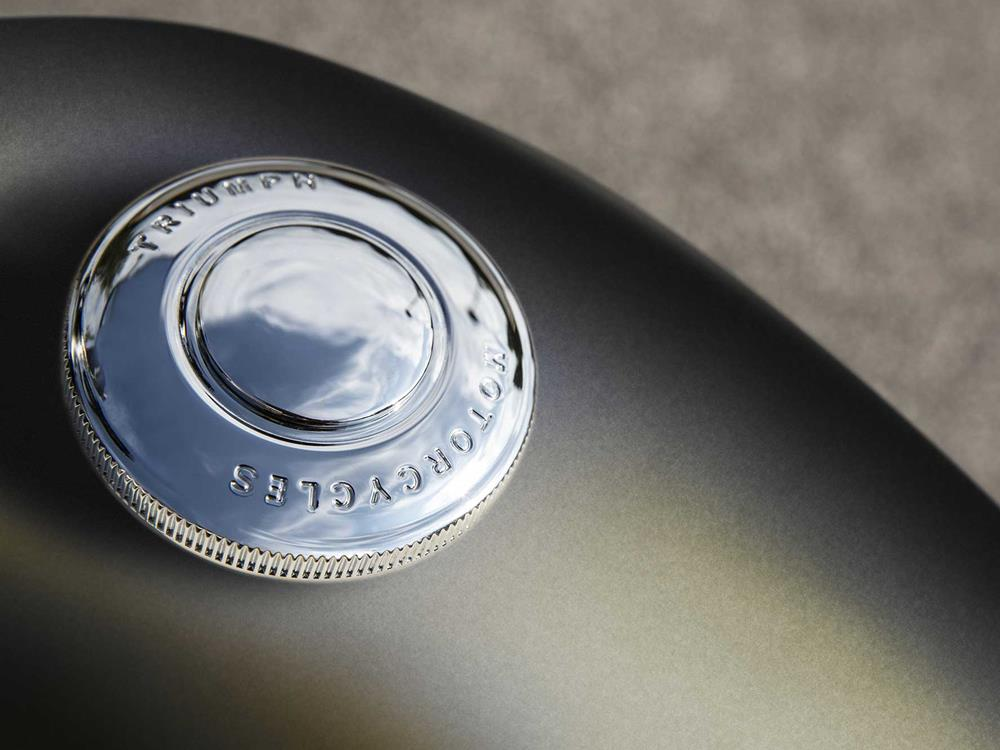A polished metal fuel cap offers an added retro feel