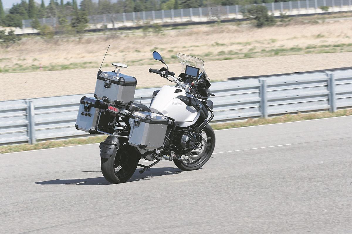 Flipboard Bmw S Riderless Bike Tech Could Save Lives