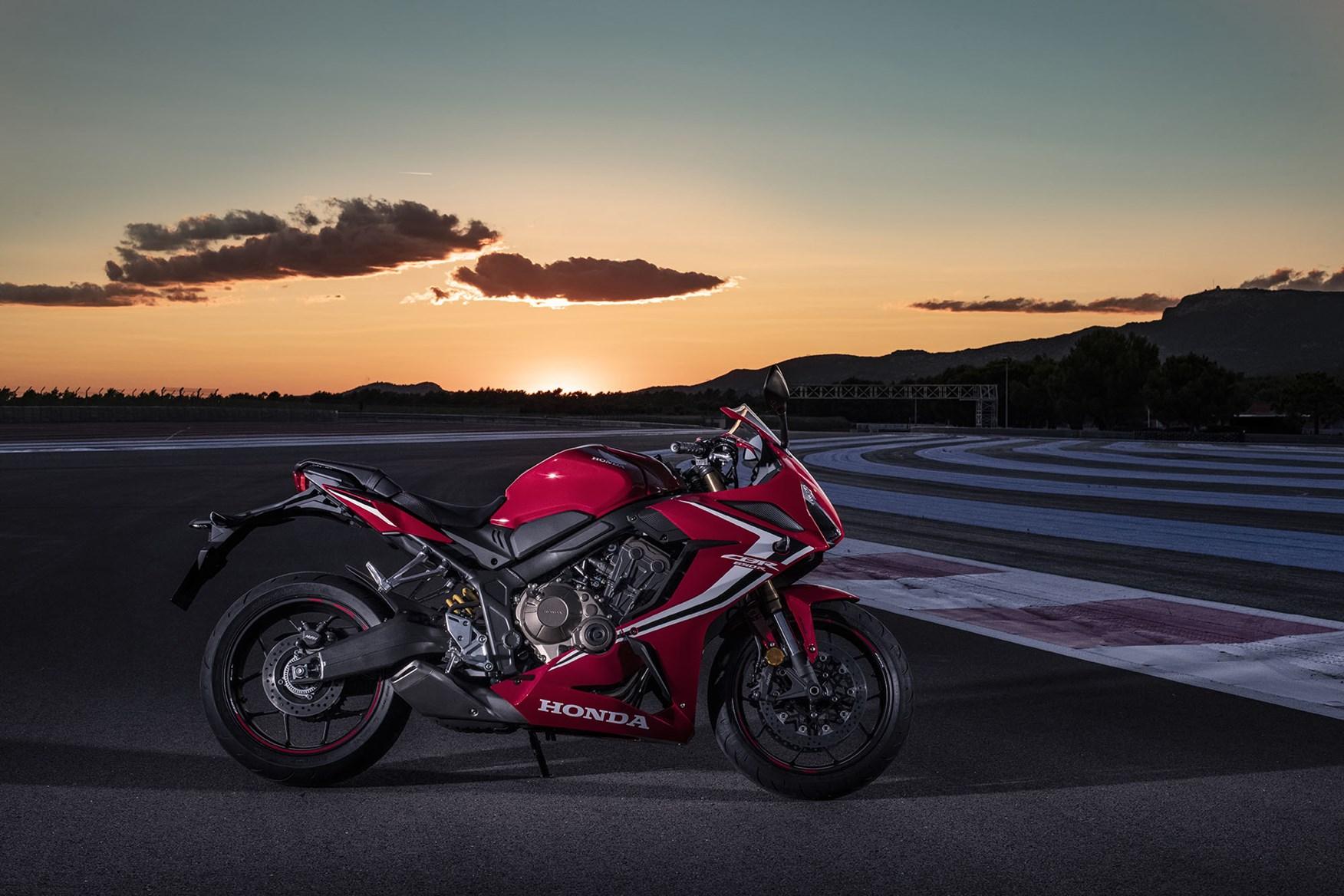 Hondas Sportier 2019 Cbr650r Will Cost 7729