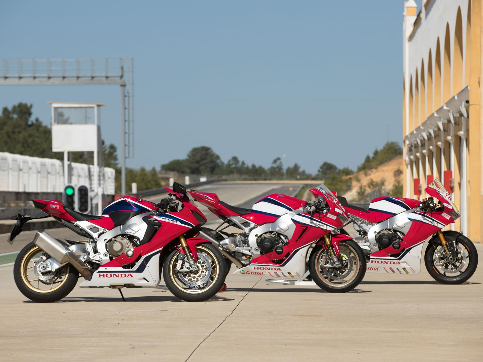 Honda Fireblade: from road to race