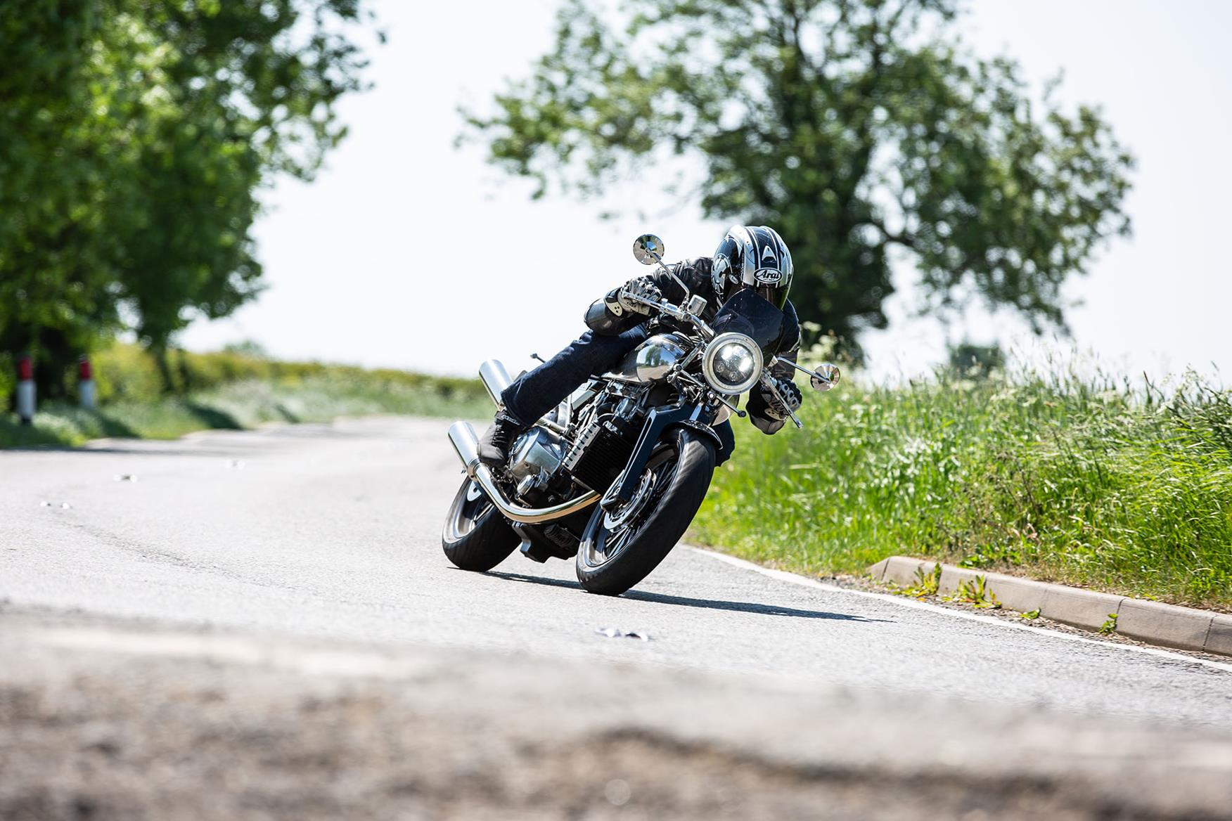 BROUGH SUPERIOR SS100 (2018-on) Review