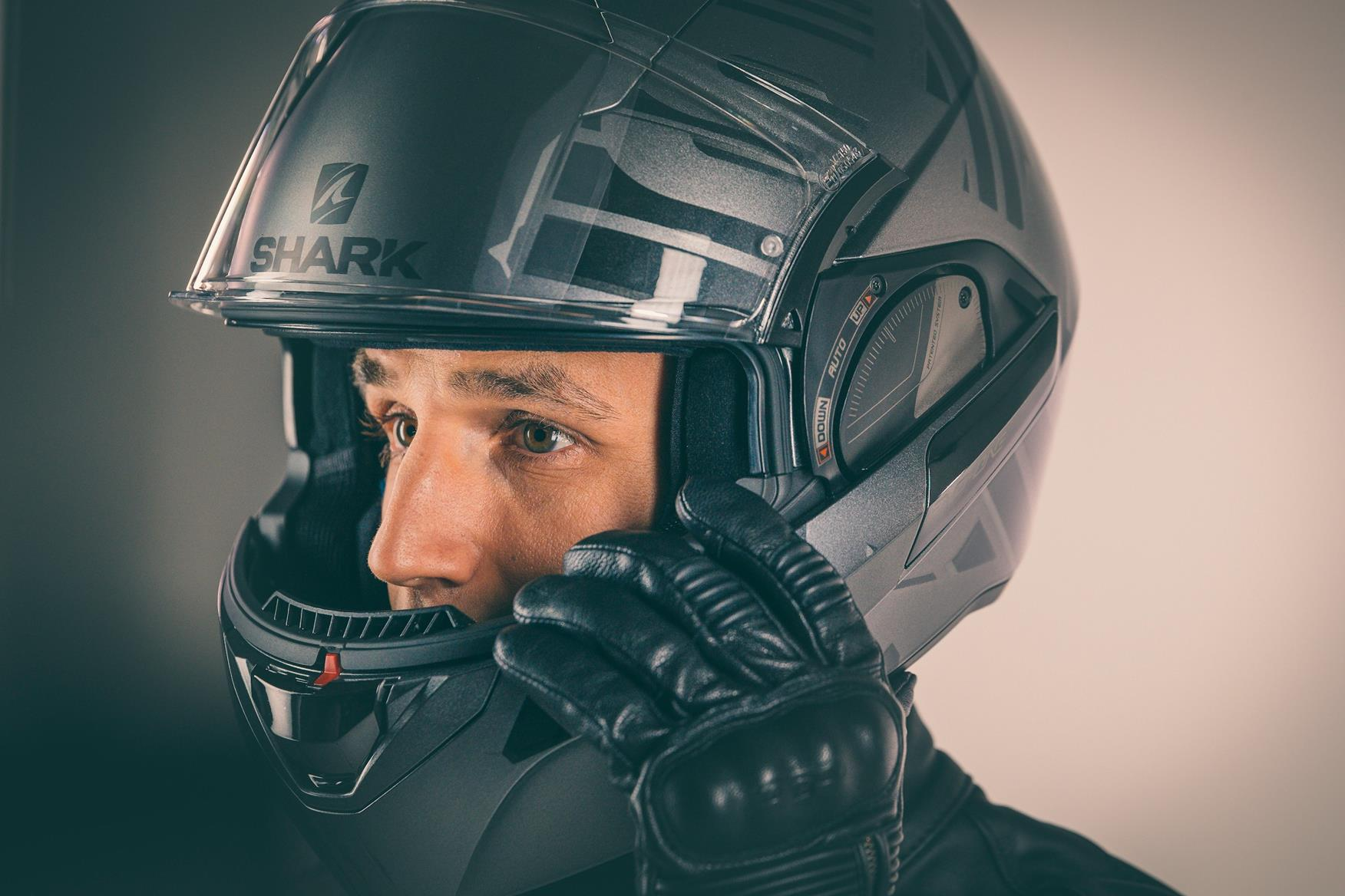 Top tips for getting a perfect fit of motorcycle helmet