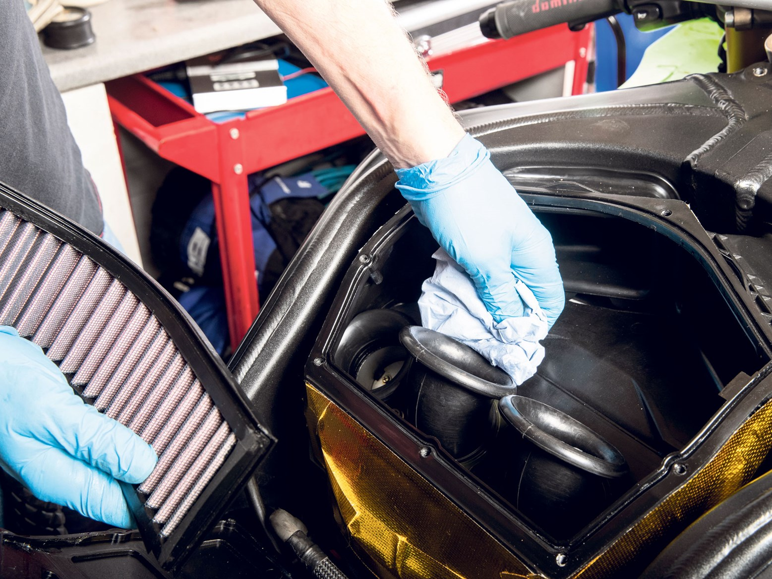 Slick operation! How to change your motorbike oil and filters