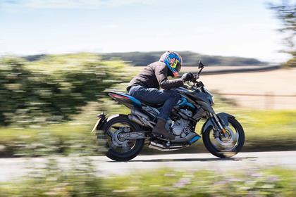 Zontes R310 riding