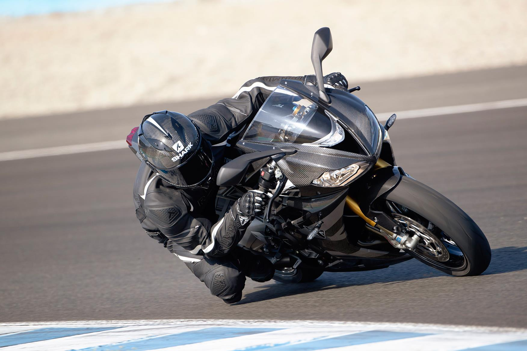 Triumph Daytona Moto2 765 Limited Edition first official pictures