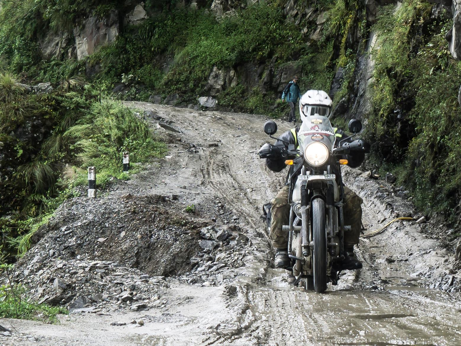Steph Jeavons leads all-female bike troop to Everest Base Camp